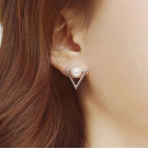 boucle d'oreille perle triangle