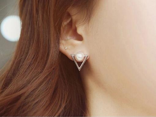 boucle d'oreille perle triangle